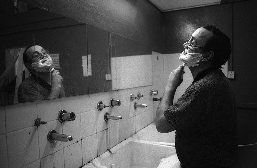Walter Sangroni – Afeitarse